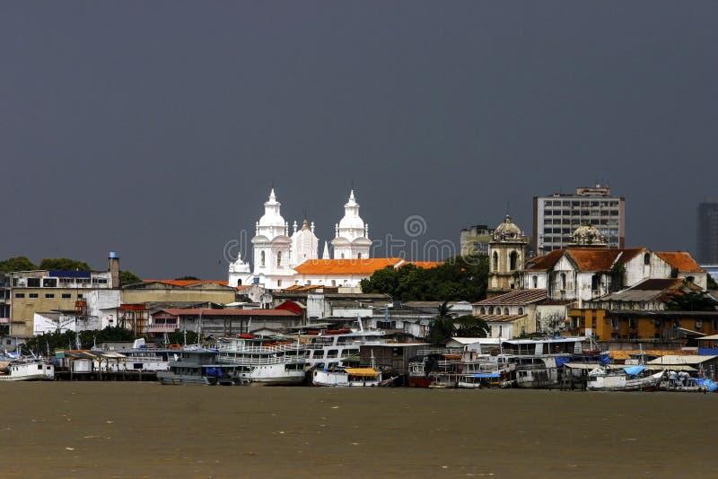 Belém: barcos no rio foto de stock