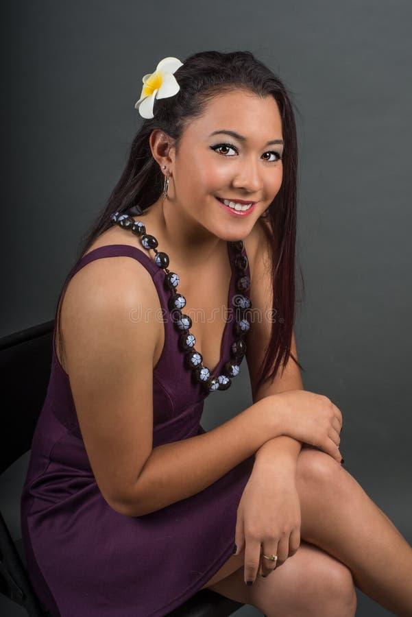 Bel adolescent de sourire d'habitant des îles du Pacifique photos stock