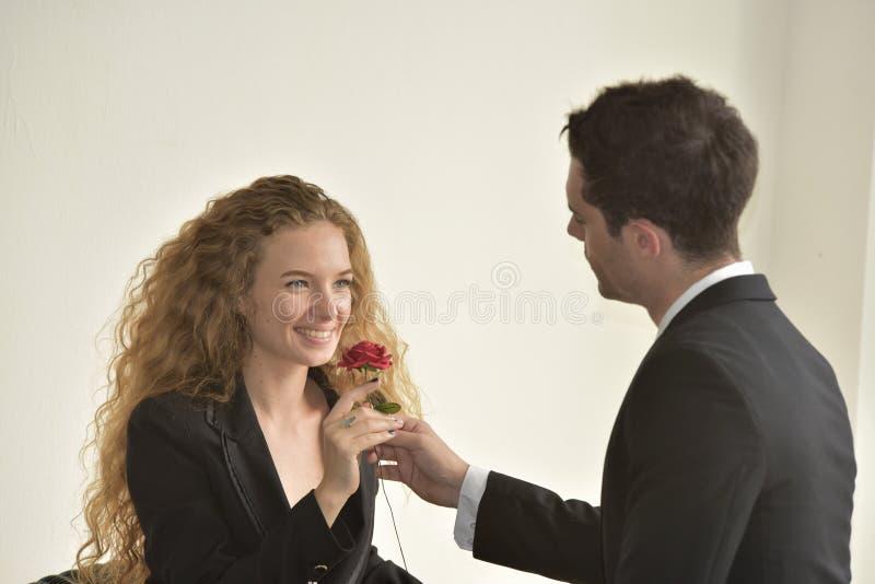 Bel amour de couples images libres de droits