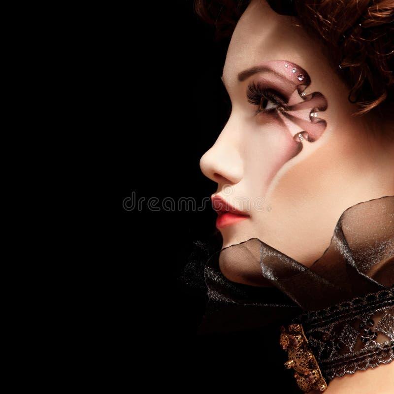 Bel aristocrate du baroque de vampire de Halloween de femme image libre de droits