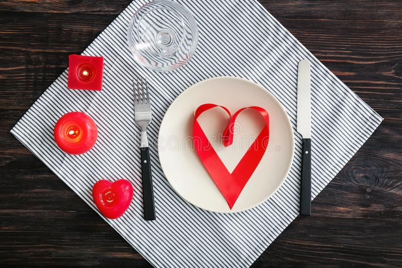 Bel arrangement de table pour la Saint-Valentin de St images libres de droits