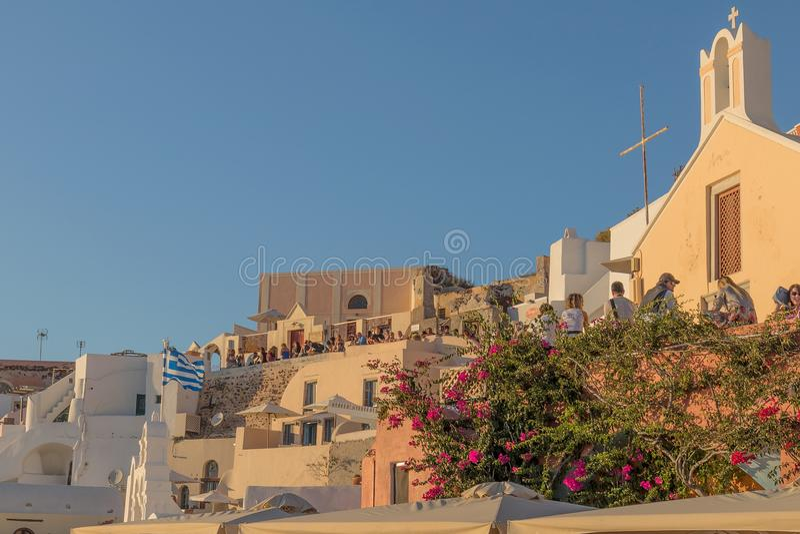 Bel endroit célèbre de coucher du soleil tout au plus d'Oia, Santorini Gre images libres de droits