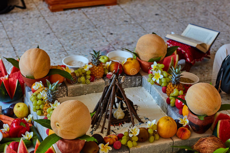 Bel endroit disposé pour le mariage Vedic image stock