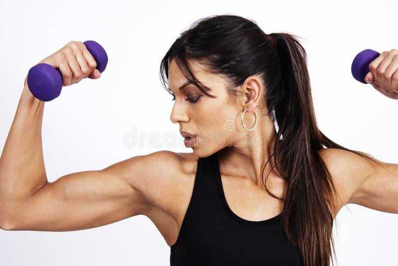 Bel exercice de femme de brunette images stock