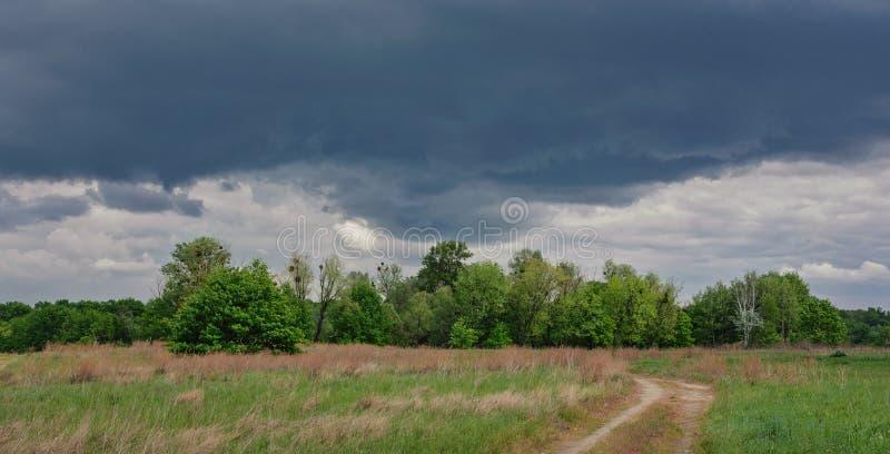 Bel horizon simple de ciel dans le domaine images libres de droits