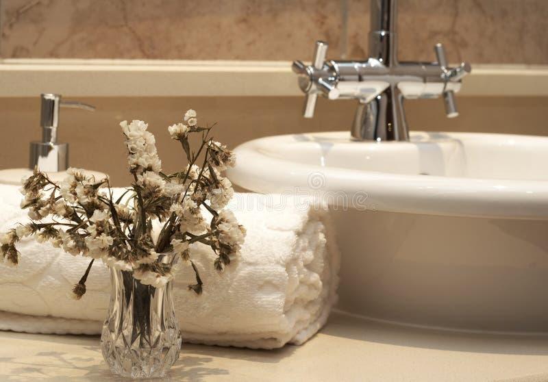 Bel intérieur de salle de bains photo stock