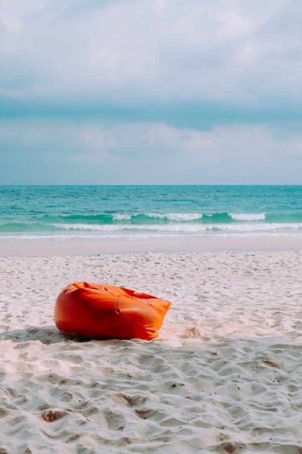 Bel oc?an de paysage de mer en Tha?lande avec le ciel bleu images libres de droits