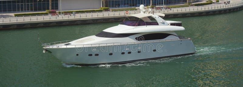 Bel yacht moderne photographie stock libre de droits