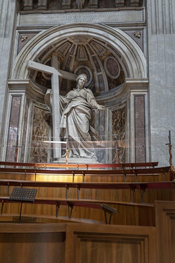 Bela escultura santa Maria dentro da alça de San Giovanni em Laterano, no coração de Roma, Itália fotografia de stock
