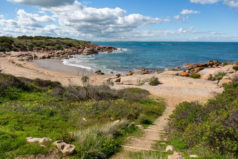 A bela praia de Crockery em Port Elliot South Austrália, em 27 de agosto de 2019 fotografia de stock royalty free