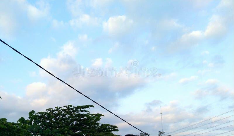 bela vista do céu na cidade de Magelang, província de Java Central da Indonésia fotos de stock