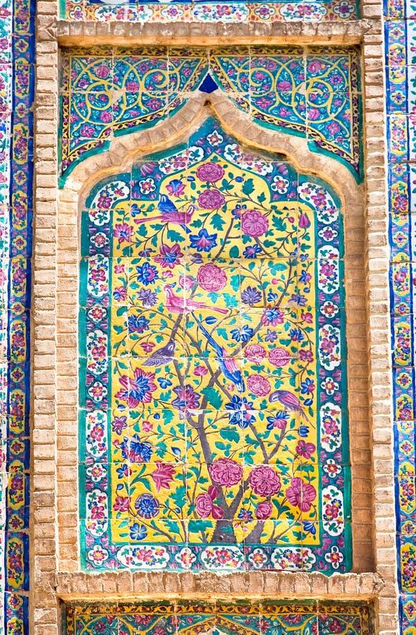 belade med tegel orientaliska prydnadar royaltyfri foto