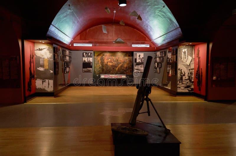 belarus Der Haupteingang zum Krieg-Denkmal Ausstellung des Museums der Verteidigung des Brest-Festung-Helden Waffen des zweiten W stockbilder