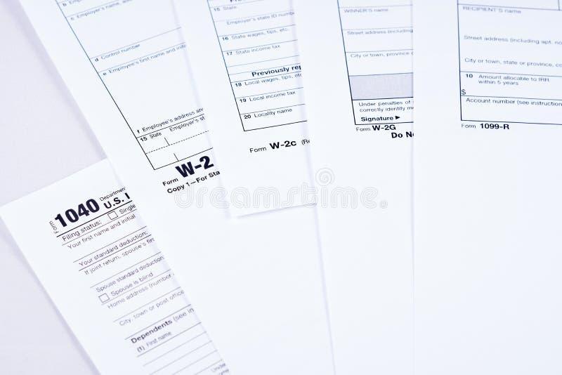 Belasting rapportering en belastingsvormen stock afbeeldingen