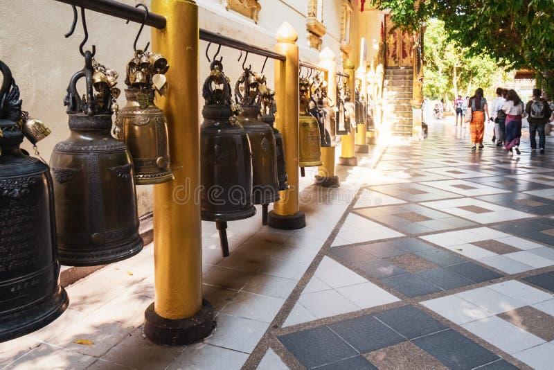 Belces en el templo del budismo, Tailandia imagen de archivo libre de regalías