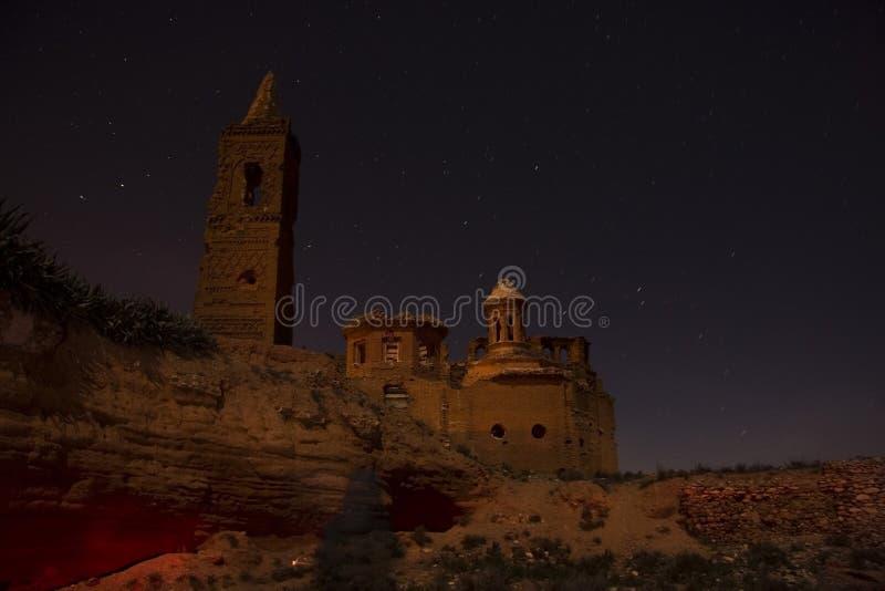 Belchite vid natt royaltyfria bilder
