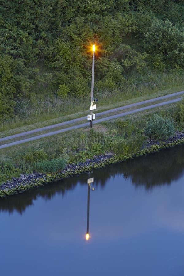 Beldorf - канал Киля в вечере стоковое фото rf