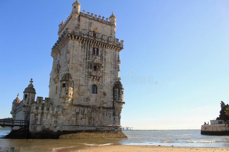 Belem-Turm und der Tajo stockbilder