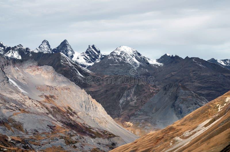 Beleuchten Sie auf den Alpen, ` Arves Aiguilles d stockbild
