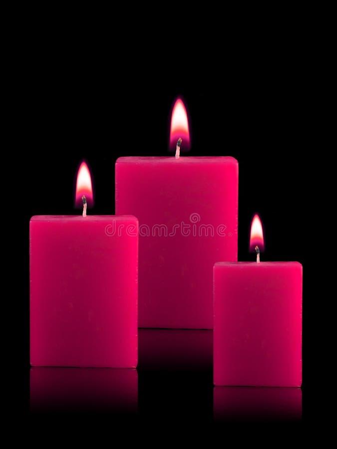 Beleuchtete Weihnachtskerzen Stockfoto - Bild von leuchte, tranquil ...