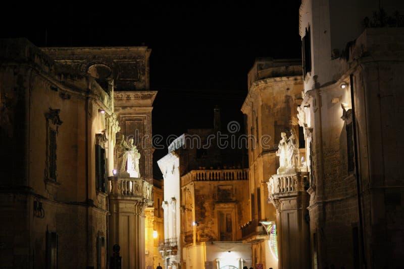 Beleuchtung der Nachtstadt lizenzfreies stockbild