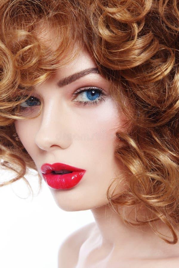 Beleza com batom vermelho fotografia de stock