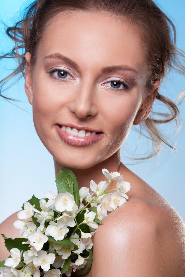 Beleza com flores da mola imagens de stock royalty free