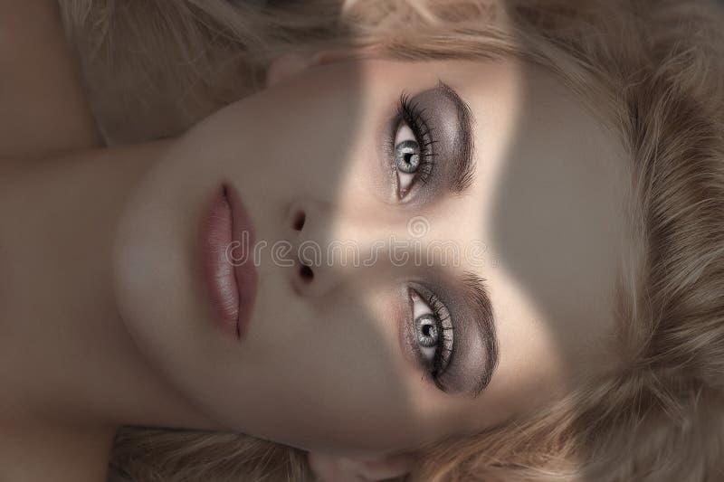 A beleza compo o retrato fotos de stock