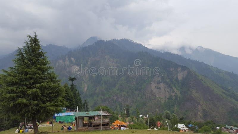 Beleza das montanhas de Neelum imagens de stock royalty free