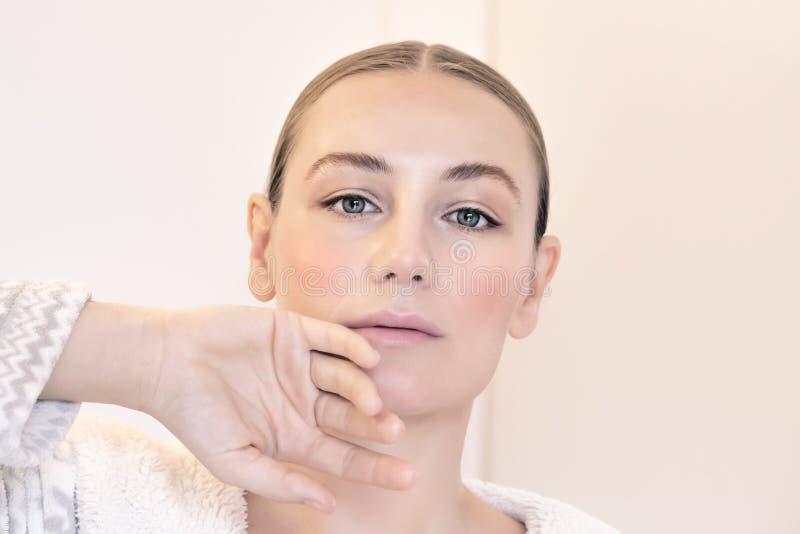 A beleza das mulheres autênticas imagem de stock
