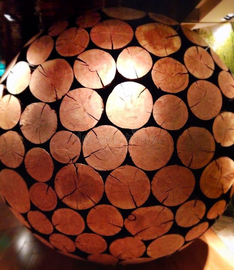 A beleza de um globo de madeira fotos de stock