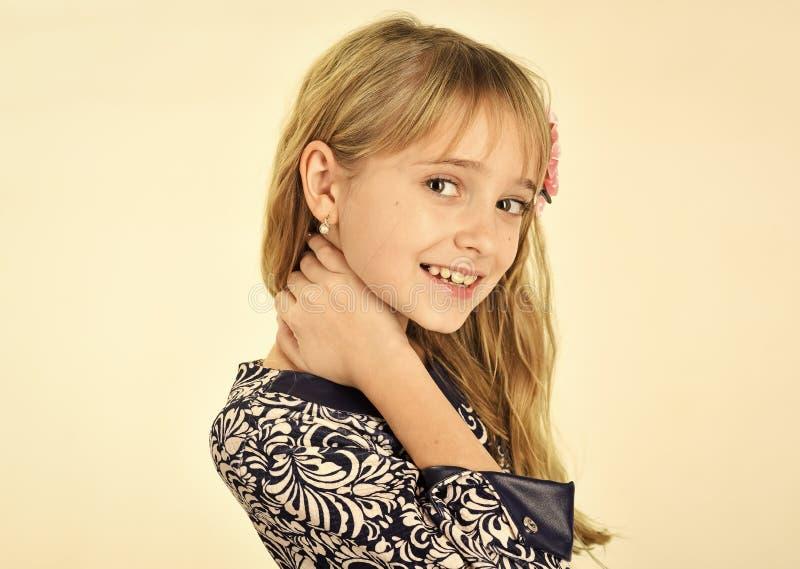 Beleza e forma da criança da menina com cabelo saudável Beleza e fôrma fotos de stock royalty free