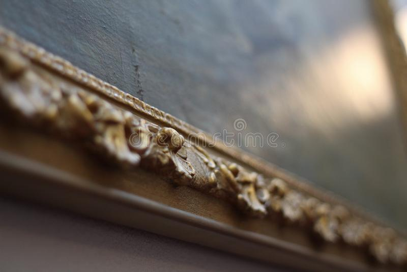Beleza e hist?ria Moldura para retrato ornamentado do ouro vazio fotos de stock royalty free