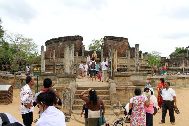 A beleza em torno de Polonnaruwa Vatadage na cidade antiga imagem de stock