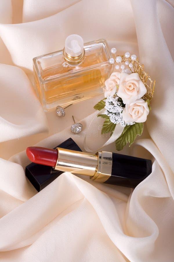 A beleza fêmea ajustou-se para o casamento foto de stock