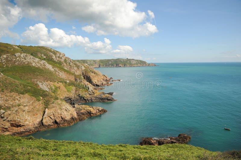 A beleza impressionante da costa de Guernsey foto de stock royalty free
