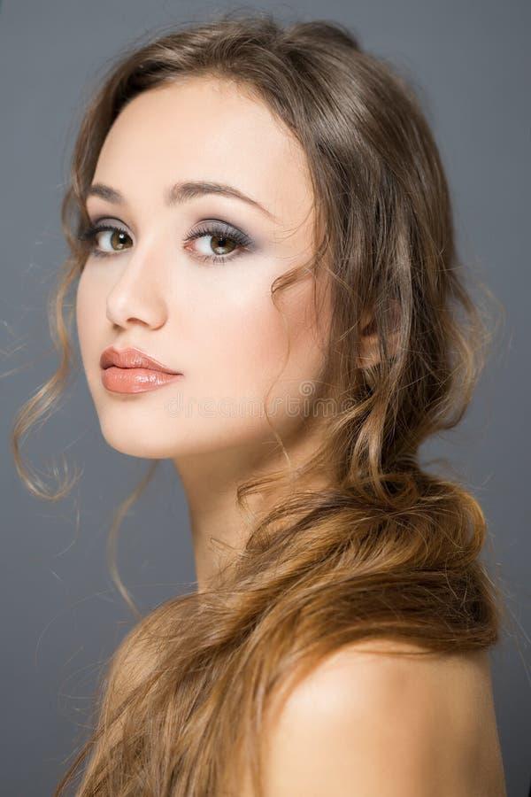 Beleza moreno dos cosméticos fotografia de stock royalty free