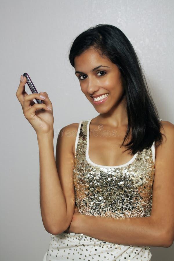 Beleza Multiracial nova com telefone de pilha (5) imagem de stock