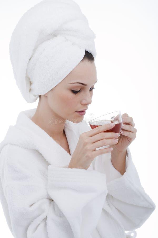 Beleza no bathrobe imagem de stock
