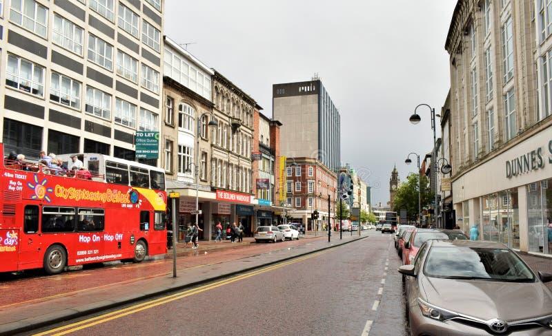 Belfast door Hop, Hop van bus stock afbeeldingen