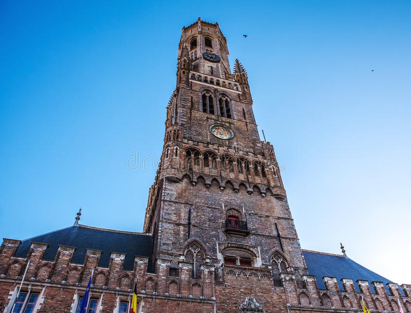Belfort torn i Bruges, touristic mitt i den Flanders staden av Brugge och UNESCOvärldsarv royaltyfria foton