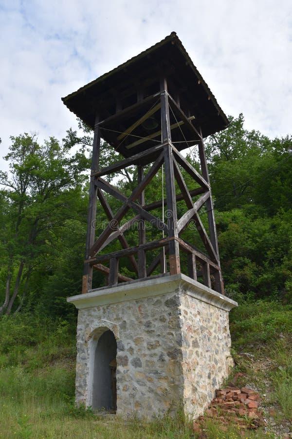 Belfrty κοντά στο μοναστήρι Gorcince στοκ εικόνες με δικαίωμα ελεύθερης χρήσης