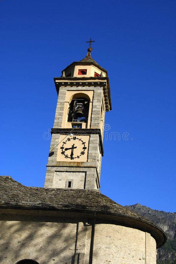 Belfry, Valle Verzasca, Ticino, die Schweiz lizenzfreie stockbilder