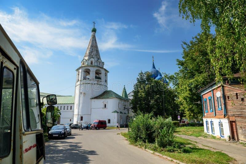 Belfry von Suzdal der Kreml, wie von der Lebedeva-Straße gesehen Suzdal, Russland stockfotografie