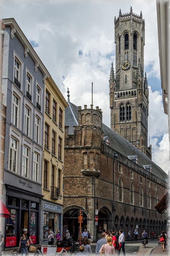 Belgien bruges Den stora marknadsfyrkanten arkivbilder