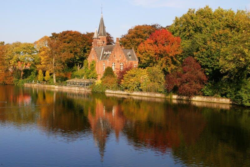 Belgien brugge fall royaltyfri foto