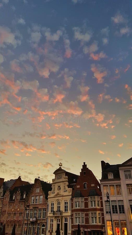 Belgische Wolken im Herrn lizenzfreies stockbild