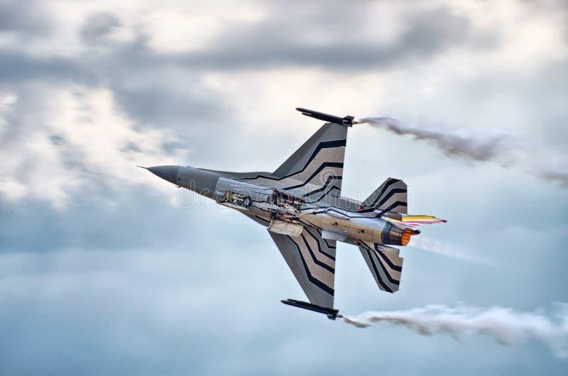 Belgisk figter F-16 på Radom Airshow, Polen arkivbilder