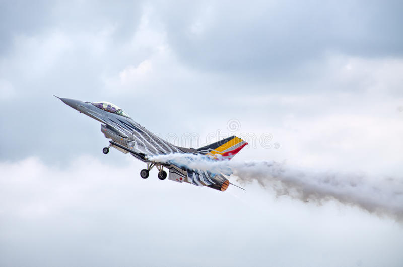Belgisk figter F-16 på Radom Airshow, Polen royaltyfria bilder