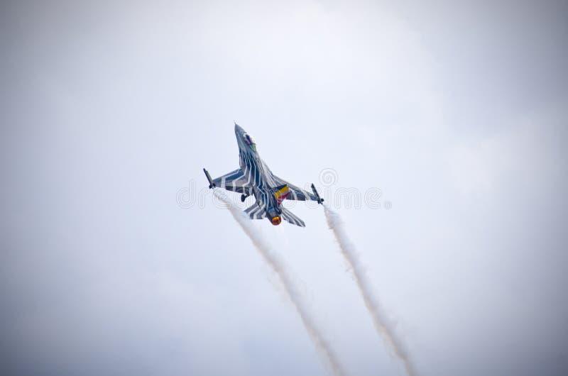 Belgisk figter F-16 på Radom Airshow, Polen royaltyfri foto